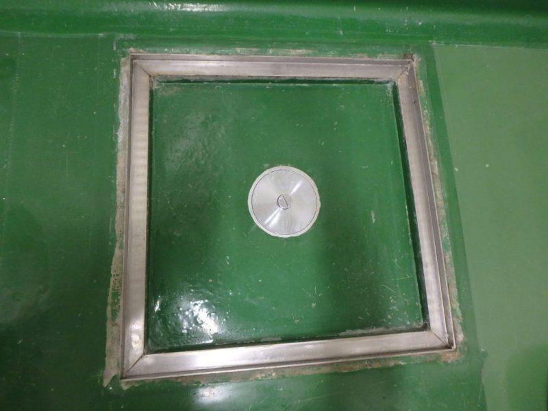 B棟 排水溝周りの床塗装 ビフォア写真