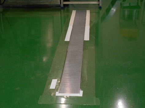 B棟練合造粒室の床補修 ビフォア写真